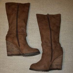 NWOT Wedge heel boots